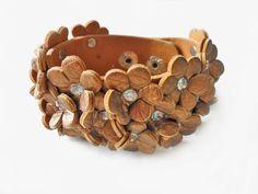 Bracelet  women bracelet girls bracelet leather bracelet with take the shape of the leather and adornment diamond bracelet cuff