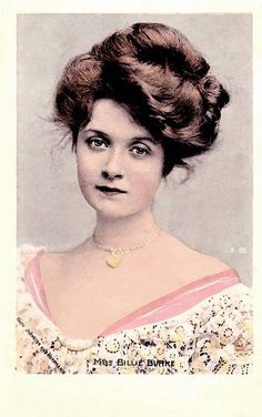 """American actress, Billie Burke (she played Glinda the Good Witch in the """"Wizard of Oz""""). She was fortunate to have a lot of hair for this Gibson girl hairstyle. Images Vintage, Photo Vintage, Vintage Pictures, Vintage Photographs, Retro Vintage, Victorian Pictures, Vintage Woman, Belle Epoque, Edwardian Era"""