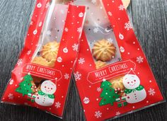 Festive Snowman Gift Bags Cello Bags Cookie bags - Favors Bags - Party bags Set of 20 bags CB8    cello #cellophane #bags #cookiebag #plastic #bags #bag #festive #xmas #christmas #deer #red #holiday  $2.85 buy from http://www.charmtape.com