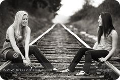Trendy Photography Poses For Friends Boys Senior Pics Senior Photography, Best Friend Photography, Sister Photography, Photography Ideas, Railroad Photography, Sister Pictures, Senior Pictures Boys, Best Friend Pictures, Senior Pics