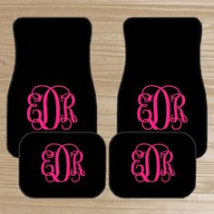 Personalized Car Mats Monogrammed Car Mats by TheDreamyDaisy Personalisierte Auto Matten Monogrammed Auto Matten von TheDreamyDaisy Car Monogram, Monogram Initials, Car Mats, Car Floor Mats, Customize My Car, Cherokee Car, Car Accessories For Guys, Car Steering Wheel Cover, Car Buying Tips