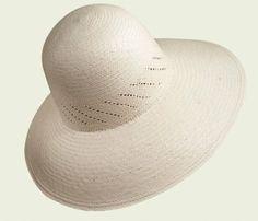 Pointed Panama Cloche   #hat #hats #womanhats #bianco #panama #cloche #clochehat #accessories #white