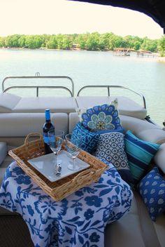Pontoon Picnic! Find your #BennyStyle by visiting us online at www.BenningtonMarine.com or visit your local Bennington Pontoon Boat dealer.