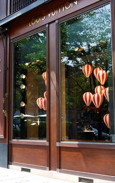 Allestimento vetrine - Louis Vuitton, Parigi | Retail store window display