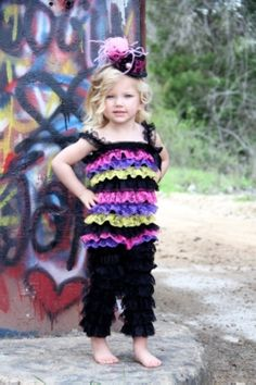 This would be a super cute jazz dance costume!