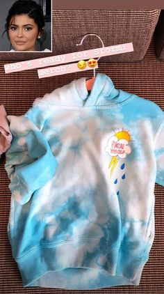 Kylie Jenner, Kendall Jenner Style, Kendall And Kylie, Travis Scott Merch, Tie Dye Sweatshirt, Kim K Style, Cool Hoodies, Fashion Branding, Fashion Killa