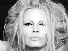 Not Official San Valentino, sold out concerto Patty Pravo a Terni