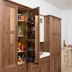 larder-another-idea-to-give-a-retro-feel-to-your-kitchen-0.jpg (550×550)