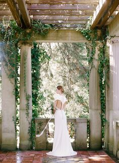 My dream wedding includes a garden partyvibe, a gorgeous Alençon lace gown and a bouquet of pretty peonies. But I get it, that's not what every bride envisions for her big day. So, for all of you ladies feeling a bit lost in a sea of blush and tulle, get inspired by thesedetails that are […]