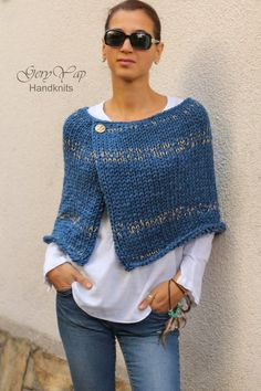 This hot poncho is knitted by me from thick wool yarn in blue denim color. - Stricken , Dieser heiße Poncho wird von mir aus dickem Wollgarn in blauer Denimfarbe gestrickt. This hot poncho is knitted by me from thick wool yarn in blue den. Poncho Cape, Poncho Pullover, Poncho Sweater, Knitted Poncho, Crochet Shawl, Knit Crochet, Knit Shrug, Shrug Knitting Pattern, Sweater Pillow
