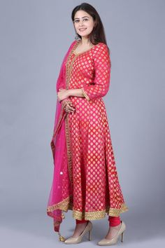 anokherang Combos XS Pink Red Georgette Banarsi Anarkali with Leggings and Mirror Stone Net Dupatta Punjabi Dress, Sari Dress, Anarkali Dress, Silk Kurti, Art Silk Sarees, Beautiful Suit, Pink Mirror, Blouse Designs, Dress Designs