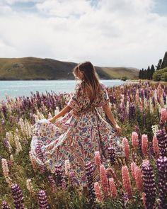 As vezes,uma ou duas palavras amáveis são suficientes para ajudar alguém a desabrochar como uma flor. Thich Nhat Hanh
