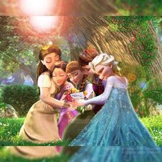 Queen Ariana and her younger sister, Queen Iduna, spend their day with their daughters: Rapunzel, Elsa, and Anna! All Disney Princesses, Disney Films, Disney And Dreamworks, Disney Pixar, Walt Disney, Disney Characters, Frozen Disney, Frozen And Tangled, Frozen Book