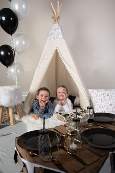 Tepee parties are becoming more and more popular. See our top 5 tips to help you with your tepee party. Host the perfect sleepover for your child. Teepee Party, Party Bunting, Wedding Hire, Wedding Night, Sweetie Cones, Glitter Birthday Parties, Glitter Balloons, Vintage Crockery, Personalized Balloons