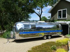 Image from http://www.airstreamclassifieds.com/wp-content/uploads/2013/10/500173.jpg.
