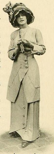 Les Createurs de La Mode 1910. This is most certain what my grandmas wore. Très chic!