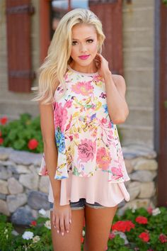 Making Me Blush Floral Tank from Closet Candy Boutique #fashion #ootd #spring