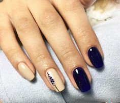 Semi-permanent varnish, false nails, patches: which manicure to choose? - My Nails Dark Nails, Blue Nails, Glitter Nails, Hair And Nails, My Nails, Wedding Nails Design, Nail Wedding, Wedding Blue, Nail Designer