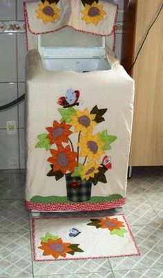 Capa para lavadora de roupas 15kg Crafty Projects, Quilting Projects, Sewing Projects, Projects To Try, Free Applique Patterns, Sewing Patterns, Appliance Covers, Ribbon Embroidery, Handicraft