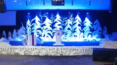 This post sponsored by Universal Foam Products—suppliers of styrofoam and EPS products. In this article, Christine Trench talks about styrofoam in stage design. Christmas Stage, Christmas Program, Christmas Concert, Christmas Trees, Stage Decorations, Christmas Decorations, Everest Vbs, Altar, Church Stage Design