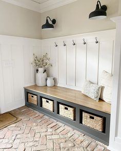 Warren House, Entry Way Design, Farmhouse Chic, Texas Farmhouse, Pillow Design, Mudroom, Decoration, Country, Ikea