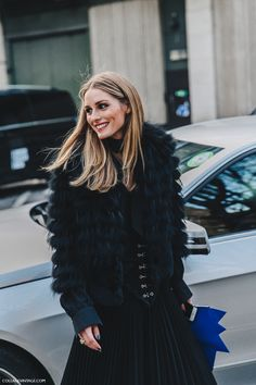 LFW- Olivia Palermo London_Fashion_Week_Fall_16-Street_Style-Collage_Vintage-Olivia_Palermo-Midi_Skirt_Red_Boots-Erdem-8