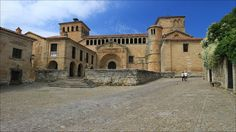 Church of the Colegiata - Church of the Colegiata - Santillana del mar - Cantabria - Spain