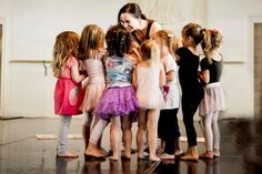 Keeping dancers entertained while still making sure they are working hard and learning can be difficult, but this article will help you be a better teacher for those tots.