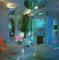 vaporwave dark Cocaina No, flour. This - vaporwave Retro Interior Design, Home Interior, Interior And Exterior, 1980s Interior, Interior Colors, Interior Paint, Retro Home Decor, Cheap Home Decor, New Retro Wave