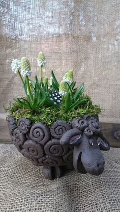This nice black sheep is ready to all sorts of services in his back colorful eggs can take place as Easter basket it can be a small Pottery Animals, Ceramic Animals, Clay Animals, Hand Built Pottery, Slab Pottery, Pottery Art, Ceramics Projects, Clay Projects, Clay Crafts