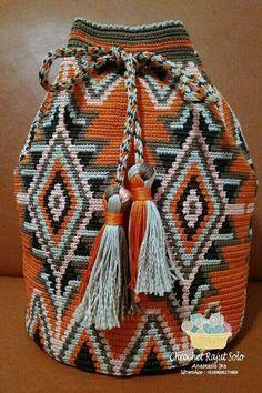 Orange mochila from crochet rajut solo by Anastasia Ika Tapestry Crochet Patterns, Bead Loom Patterns, Purse Patterns, Crochet Shell Stitch, Crochet Chart, Knit Crochet, Crochet Stitches, Crochet Ideas, Crochet Handbags