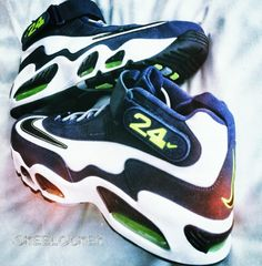 #SkeeLocker 115/365: Nike Air Griffey Max 1 navy/volt (semi inspired by the old school Mariners logo). For those wondering these finally will release in a few weeks so get ready