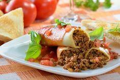 5 Ιδέες για να μαγειρέψεις σήμερα! | ediva.gr Italian Soup, Italian Dishes, Italian Recipes, Italian Foods, Sauce Tomate, Pesto Sauce, Sauce Béchamel, Marinara Sauce, Types Of Sandwiches