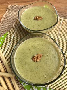 Cream of broccoli and apple - Real Food Recipes, Vegetarian Recipes, Cooking Recipes, Yummy Food, Healthy Recipes, Greens Recipe, Skinny Recipes, Base Foods, Creative Food