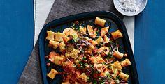 Gnocchi kun je heel goed combineren met kikkererwten en zalm. De harissa, gember en komijn geven de kikkererwtengnocch een explosie aan smaken.
