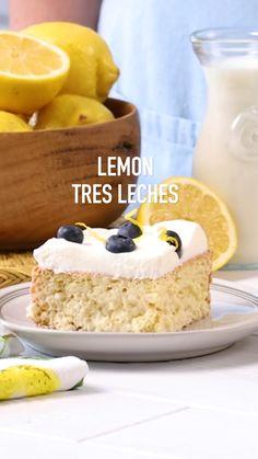 Lemon Dessert Recipes, Fun Baking Recipes, Lemon Recipes, Mexican Food Recipes, Summer Cake Recipes, Squeezed Lemon, Summer Picnic, Condensed Milk, Cake Batter