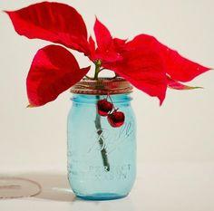 http://masonjarcraftslove.com/poinsettias-in-mason-jars/