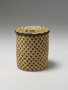 Lidded basket, Rwanda, early-mid 20th century, Metropolitan Museum of Art collection