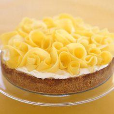 Key Lime Cheesecake with Mango Ribbons: 2000s Recipes + Menus : gourmet.com