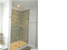 Love the shower tile.