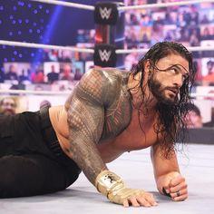 Roman Reigns Tattoo, Roman Reigns Gif, Roman Reigns Shirtless, Becky Wwe, Roman Regins, Romans 3, Wwe Superstar Roman Reigns, Roman Warriors, Gorgeous Black Men