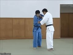 "juji-gatame: "" Combo of the week: Kouchi-gari to Tomoe-nage """