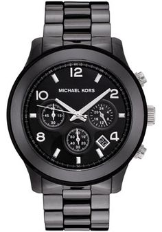 This classic Michael Kors timepiece has a twist of fashion. Its versatility allows this timepiece to display its elegance whatever the occasion