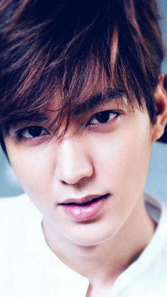 Lee min ho When I imagine what Khan looks like, I see Lee Min-ho!!!