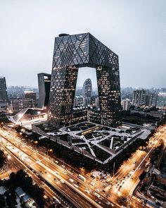 """Mi piace"": 16.4 mila, commenti: 45 - designboom magazine (@designboom) su Instagram: ""the #CCTV headquarters in #beijing by @oma.eu propose an alternative to the overused typology of…"""
