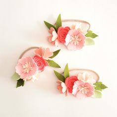 Corona de flores de fieltro  'sorbete de fresa' por kireihandmade