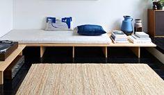 Tilly Hemingway - Tilly Hemingway – Today's coolest habitats – Inspiration – Inspiration Les images impression - Japanese Bedroom, Japanese House, Japanese Inspired Bedroom, Bude, Japanese Interior Design, Inspired Homes, Habitats, Bench, Living Room