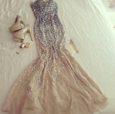 A little glam for all of you girls who sparkle! http://limosmc.mediagiantdesign.com #dress #photography #Limo #prom #party #highschool