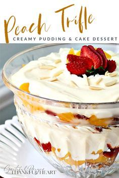 Mini Desserts, Fruit Trifle Desserts, Trifle Bowl Recipes, Angel Food Cake Desserts, Angle Food Cake Recipes, Easy Summer Desserts, Parfait Recipes, Trifle Recipe, Healthy Dessert Recipes