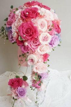 画像1: キャスケードブーケ スワロフラワー 色違い可 幅(花のみ)22cm